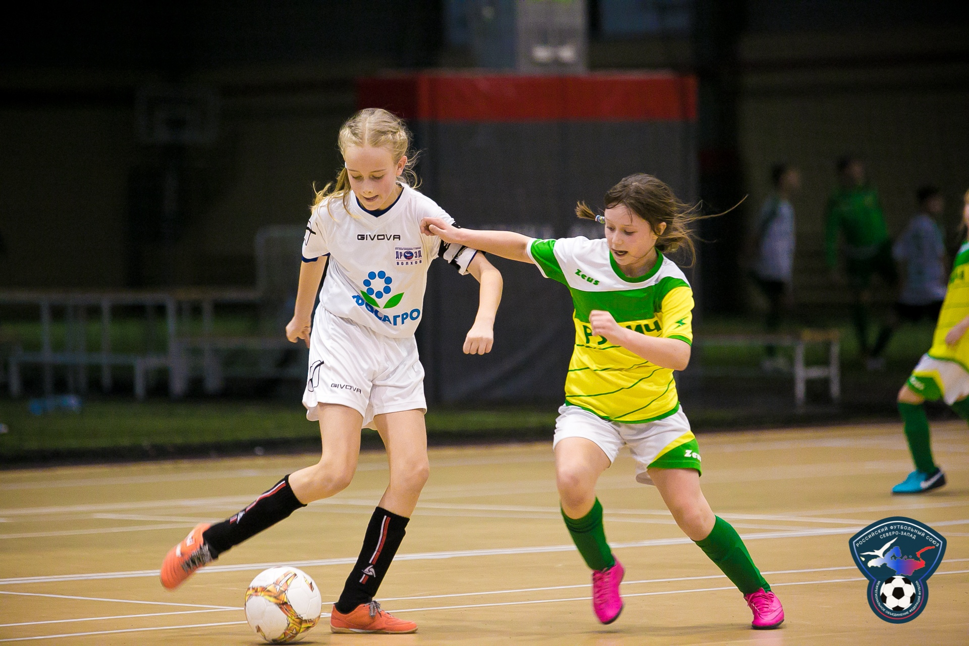Футбол девушки спб